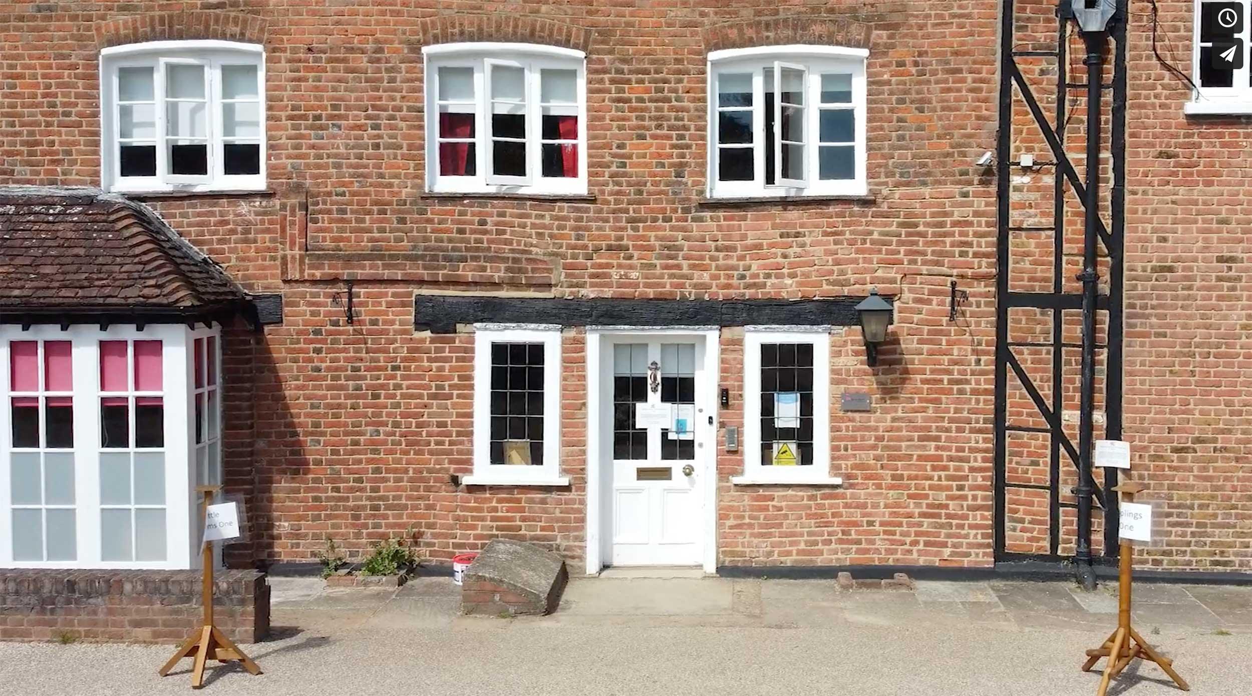 Entrance to Ruxley Manor